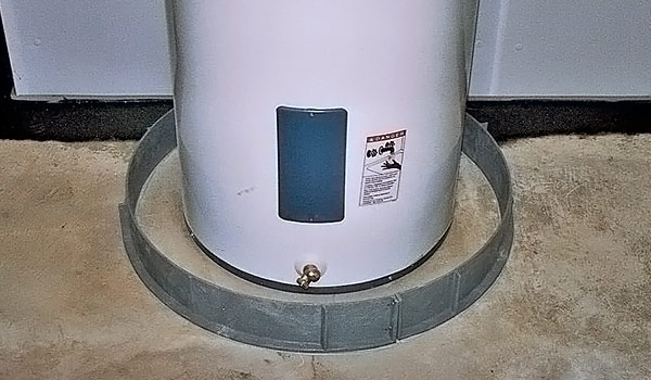 Water heater flood ring